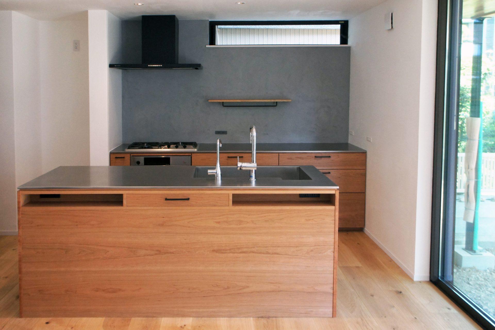 全体の材質にこだわったⅡ型キッチン